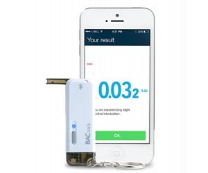 Smartphone Keychain Breathalyzer for iPhone and Android