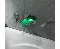 LED Waterfall Bath Tub